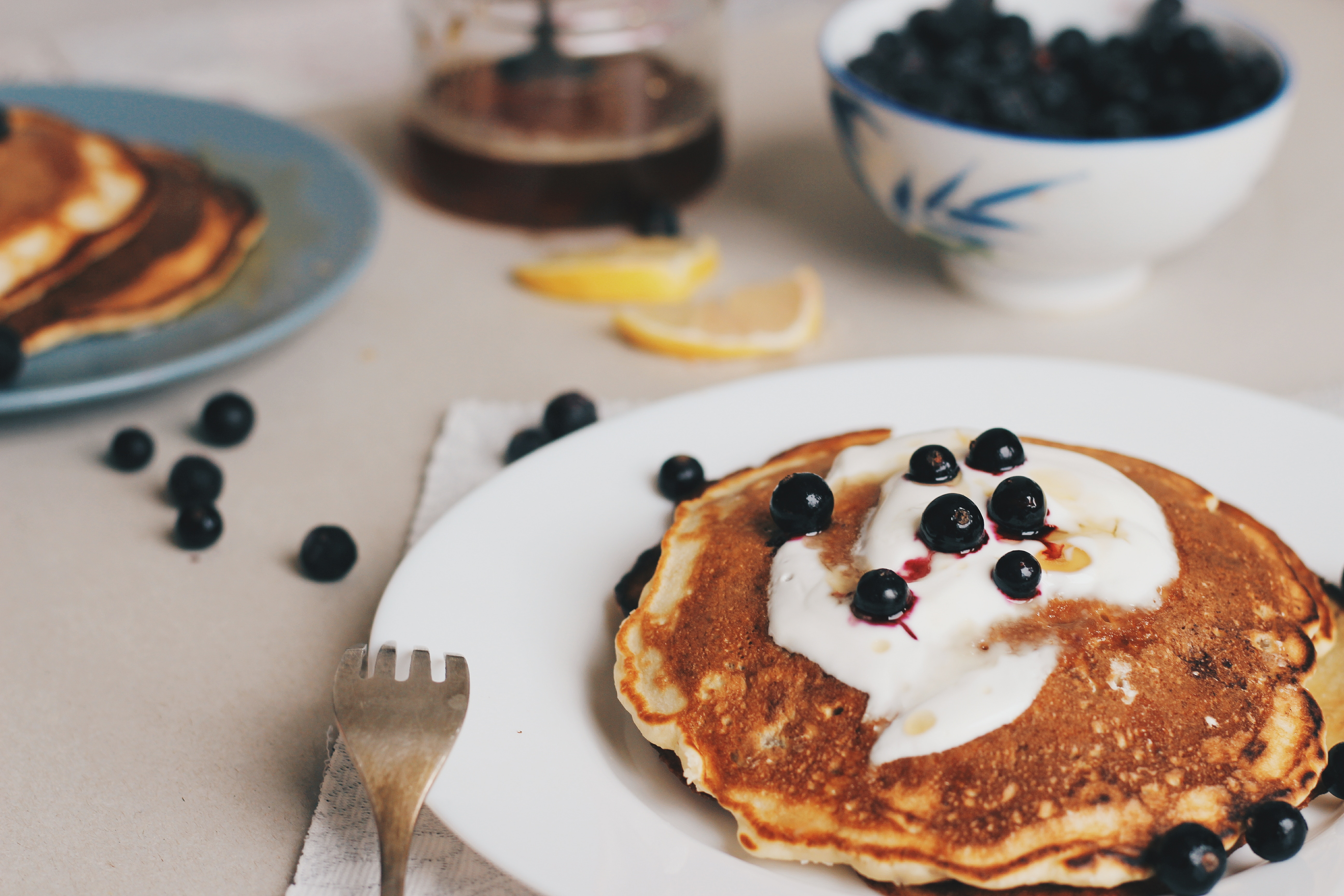 Yogurt fruit pancakes